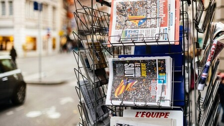 Is Print Advertising Still an Effective Marketing Strategy?